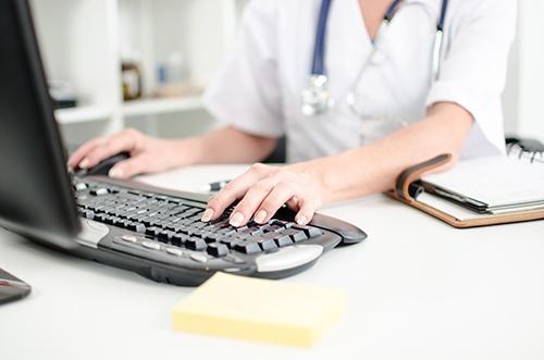 Female-Doc-Computer.jpg